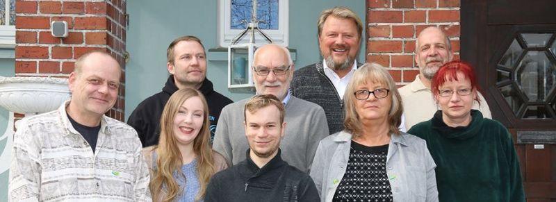 Pressefoto der Kandidat*innen zur Kommunalwahl 2016. Rechts im Bild: Astrid Mohr